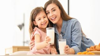 نوشیدن روزانه شیر کم چرب می تواند اثرات پیری را معکوس کند